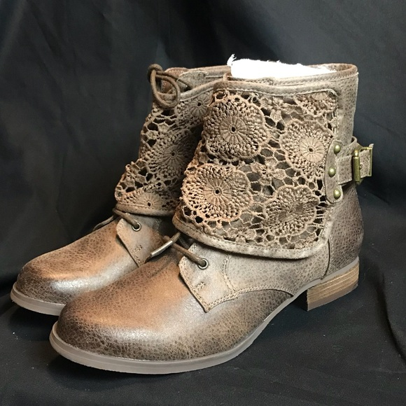 Not Rated Shoes - BRAND NEW - Brown ankle booties